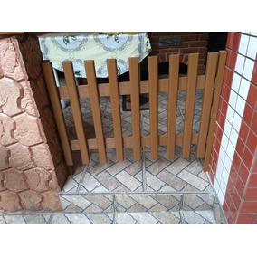 Portão De Madeira Para Cães E Bebê