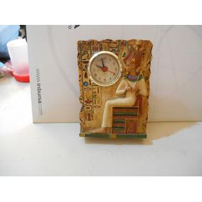 Reloj De Baterias Para Escritorio Con Tema Egipcio