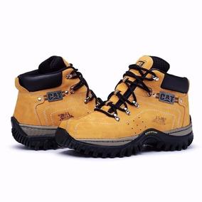 6dab1745a4 Boina Do Angus Young - Sapatos no Mercado Livre Brasil