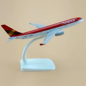 Miniatura Avião Avianca Airbus A330 Metal 16cm