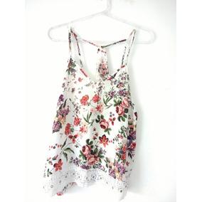 Blusa Floral Com Alça Regulável E Renda