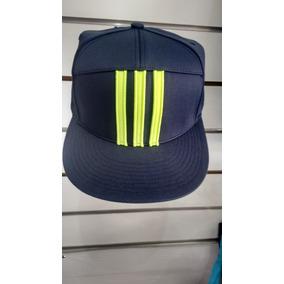 Bone Aba Reta Adidas Original - Bonés Adidas para Masculino no ... 3f290e5401b