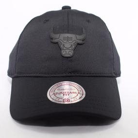 c254a3a156699 Bone Mitchell Ness Chicago Bulls Preto - Bonés no Mercado Livre Brasil