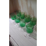 Antiguo Juego De 8 Copas Talladas Verdes De Vino