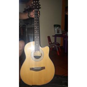 Guitarra Eletroacustica Con Amplificador De Sonido