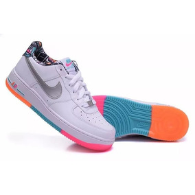 huge selection of a206e cb257 Nike Air Force 1 Blanca Con Suela Arco Iris Dama Zona Pilar