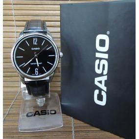 ca723df2621 Casio Mtp V008b 1budf - Relógios De Pulso no Mercado Livre Brasil
