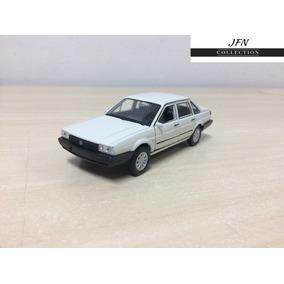 Miniatura Volkswagen Santana 1989 Abrem As Portas Em Metal !