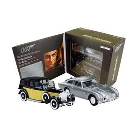 Estojo Corgi Com Dois Carros De James Bond 1/32 Corgi Metal
