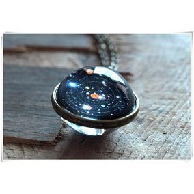 Collar De Laton Con Un Sistema Solar En Su Interior En Ofert