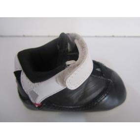 100% authentic c2c9f 46c25 Jordan Crib Color Negro Blanco Rojo Talla 8cm C727