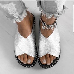 Sandalias Mujer Cruzadas Bajas Brillosas