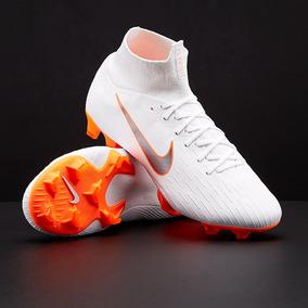 Arcos Futbol Profesionales - Botines Nike para Adulto en Mercado ... 69de59e77fc9b