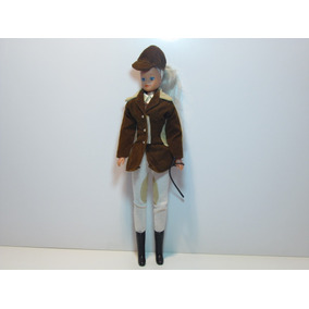 Muñeca Barbie Con Vestimenta Para Montar Caballo.
