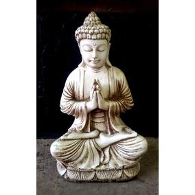Buda Rezando De Resina 52x31x21 Aprox.