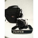 Cámara Fujifilm Finepix S 16 Megapíxeles Blanca Incluye Estu