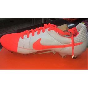 3d45900ce3 Chuteira De Travas Nike Tiempo Branca E Dourada - Chuteiras Nike no ...