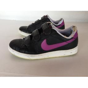 quality design 4a4a8 143de Zapatillas Nike Negras Y Violeta Con Abrojo T.37