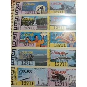 Bilhetes De Loteria Colados Em Album De Fotografia