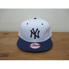Bone New Era New Yankees Branco Com Logo Dourado - Acessórios da ... 02ff385d2d0