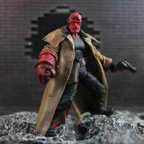 Action Figure Hellboy Series2 Mezco Articulado