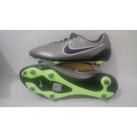 Chuteira Nike Magista Opus 2 - Chuteiras no Mercado Livre Brasil 8d697a50cd314