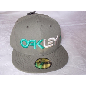 Bone Da Oakley Camuflado - Calçados, Roupas e Bolsas em Minas Gerais ... b82aa1c544