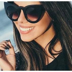 fc6292297bb05 Óculos Solar Feminino Moda Atual Modelo Escuro E Degradê · R  61 90