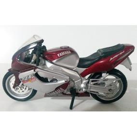 Moto Miniatura De Colección Rancing Yamaha