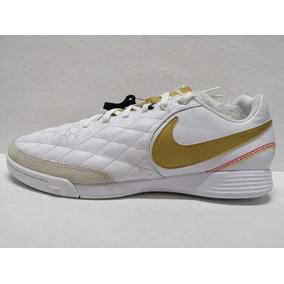 Tacos Nike Blancos Con Dorado - Tacos y Tenis de Fútbol en Mercado ... 112759ae342d8