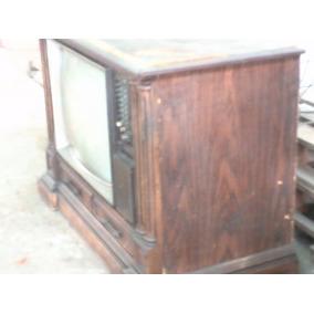 Televisor Panasonic En Mueble Tipo Colonial 23