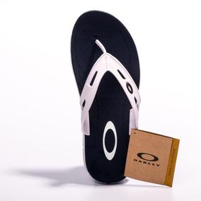 Chinelo Da Oakley Lançamento 2017 - Sapatos no Mercado Livre Brasil 6c38a0f289