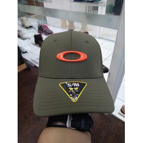 Boné Oakley Réplica - Outros para Masculino no Mercado Livre Brasil a4caf82b848