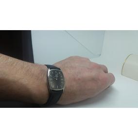 Relógio De Pulso Universal Retangular - Aço - Swiss Made