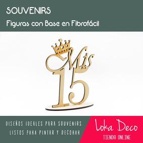 Souvenir Mis 15 Con Base 10cm - Centro De Mesa - Fibrofácil