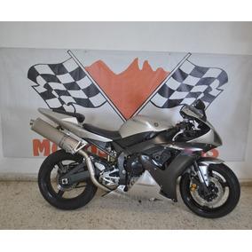 Yamaha R1 1000cc Modelo 2004