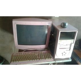 Computador Antigo Rosa.jpg