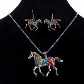 Precioso Set Plateado Collar & Aretes Con Caballos