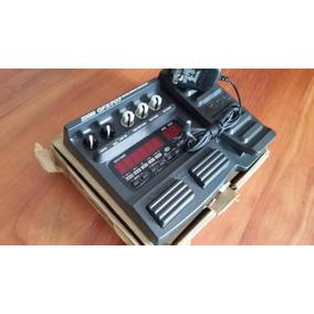 Pedalera De Guitarra Zoom Gfx707 Con Adaptador En Su Caja