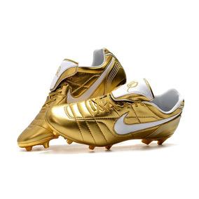 0e664074340ee Chuteira Nike Acc - Chuteiras Adultos Campo Dourado no Mercado Livre ...