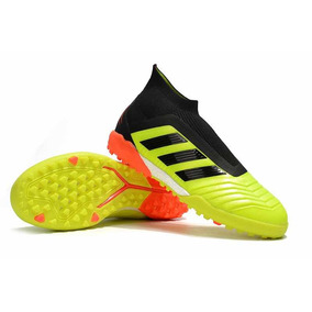 2061f521c4 Chuteira Nike Magista Futsal Society Fg Botinha 2016 · adidas Predator 18+