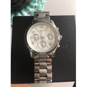 Relógio Michael Kors Prata Fundo Branco - Relógios De Pulso no ... 766ec9f6d0