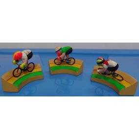 Antigo Kit Miniaturas - Ciclismo E Esquiadores - Resina
