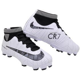 Chuteira Cr7 Branca Infantil Futebol Chuteiras - Chuteiras no ... c74e7484f83ac