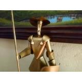 Estatuilla De Don Quijote De La Mancha En Lamina