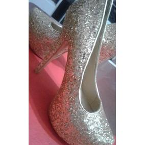 Zapatos Taco Fino De Mujer Con Brillo Dorado Y Plataforma .