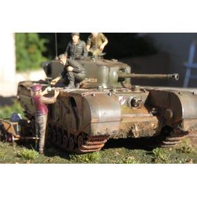 Modelo Escala 1:35 Tanque De Guerra Churchill Com Diorama