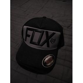 7b4c9c6b3bc53 Vendo O Cambio Gorra Cerrada Fox Racing en Mercado Libre México