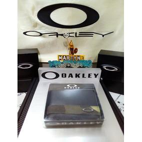 Cartera Oakley
