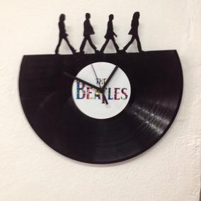Relógio Quartzo De Paredes Beatles Disco De Vinil Recortado